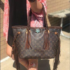 Louis Vuitton Neverfull MM tote purse bag fringe